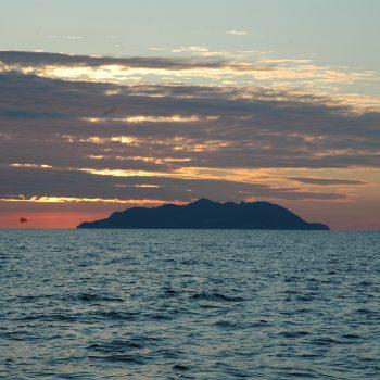 L'Isola vista in avvicinamento dal porto di Livorno