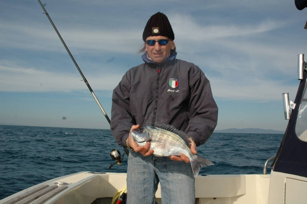 Nicola Perosi. nazionale di Surf Casting ed amnante della pesca dalla barca è un assiduo frequentatore della secca di Zi Paolo
