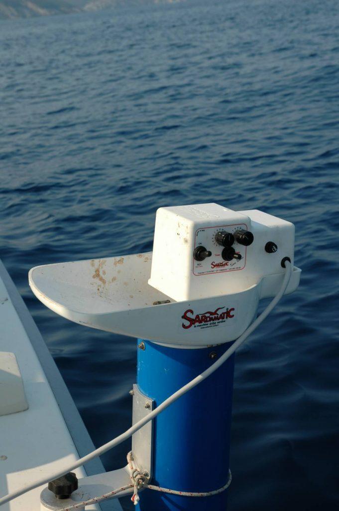 Il trisardine elettrico è sicuramente un attrezzo importante per la pesca a lighr drifting e non solo per i lanzardi