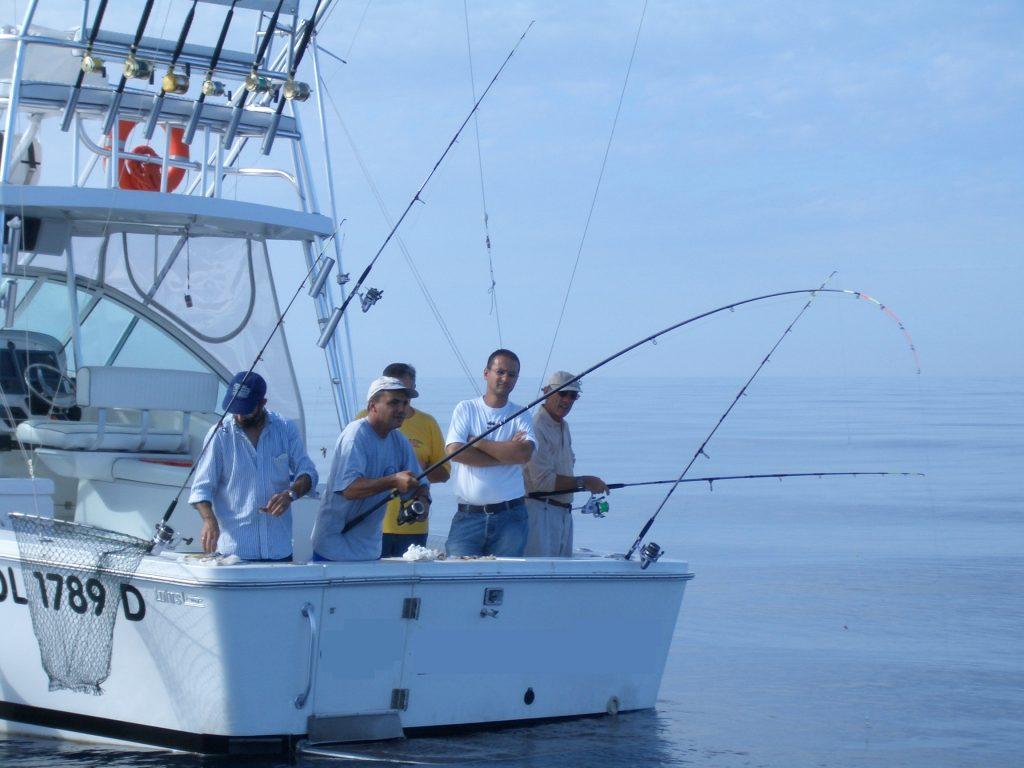 La pesca in acque Tirreniche con le scuole di pesca solitamente raccoglie 4/5 pescatori