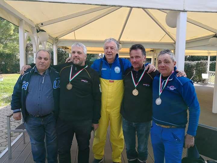 da destra Marco Meloni, Paolo Volpini, il ct Alberto Marchi, Gabriele Brunettin ed il Stefano Sarti per la FIPSAS
