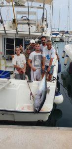 la cattura di un tonno rosso è sicurmante uno dei traguardi per un Charter di pesca
