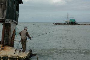 Acqua torbida e mare calmo uno dei momenti ideali per la pesca in bolognese
